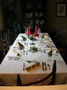 256px-Boxing_day_dinner_table