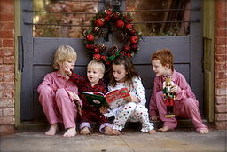 256px-Children_reading_The_Grinch