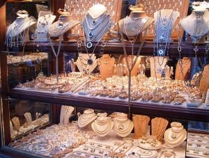 512px-Ponte_Vecchio_jewellery
