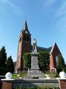 Crévecoeur_église_et_monument_aux_morts