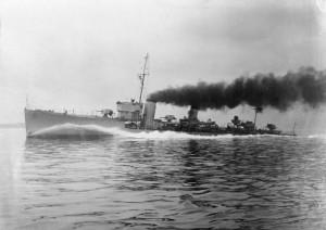 HMS_Tenedos_(H04)_IWM_FL_019818