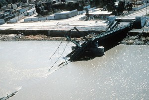 Operation_Desert_Storm,_bridge_collapsed