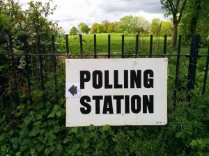 Sign to a polling station